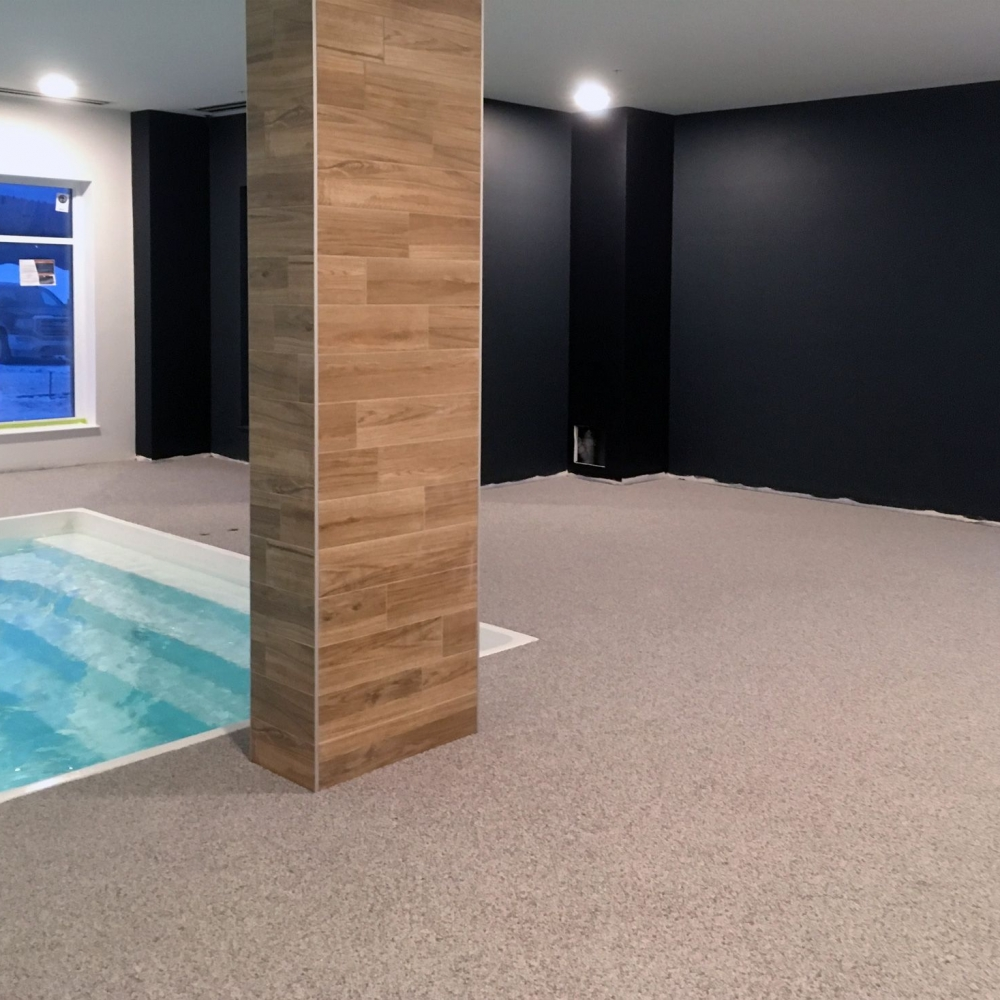 tour-piscine-interieur-caoutchouc